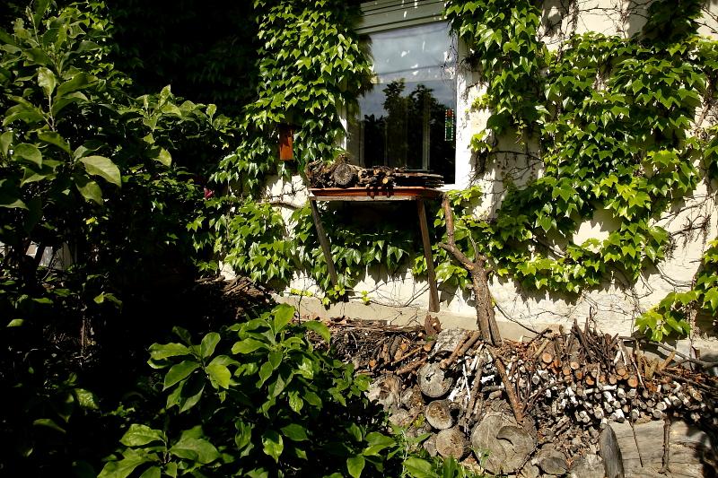 Az első két képen látott eszköz nyáron, ablakgyíkvárként (Fotó: Orbán Zoltán).