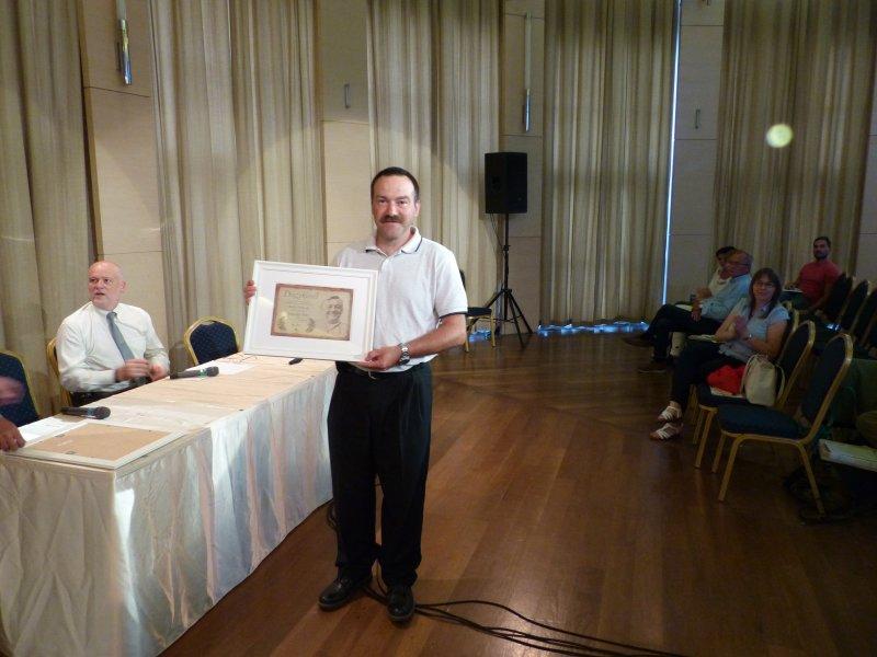 Péter a díjjal (Fotó: Bodnár Katalin)
