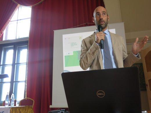 Ariel Brunner, a BirdLife Europe iroda EU szakpolitikai vezetőjének előadása (fotó: Králl Attila)