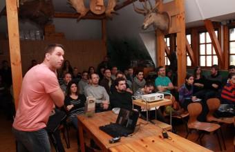 Babocsay Gergő előadása közben