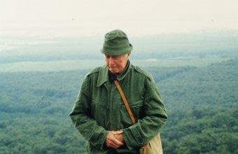 Szabó László Vilmos a csákvári Haraszt-hegyen (fotó: Dr. Kovács Gábor)