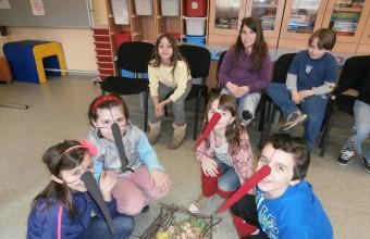 A gólyacsalád életét eljátszó bátor önkéntesek. (Fotó: Litkei Krisztina)
