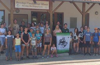 Az ifjú madarászok csapata (Fotó: Tóth Máté)